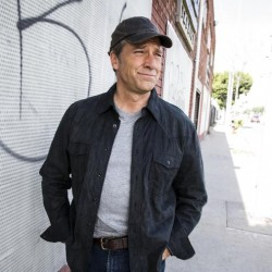 bal-mike-rowe-speedos-cnn-better-baltimore-tv--001