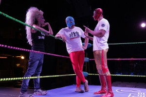 02MexicanWrestlingMeetsBurlesque