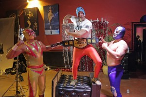 16MexicanWrestlingMeetsBurlesque